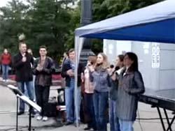 Буду петь (на площади города)