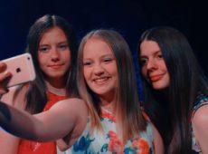 Вероника и Ванесса Андрощук — Мечтай и верь