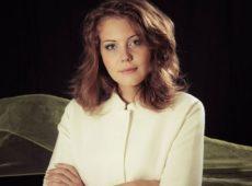 Лиза Лукашина — Рождественская